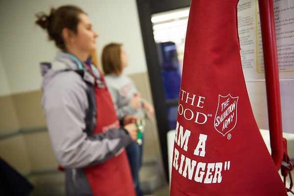 2017_UWL_Salvation_Army_Bell_Ringers_0065