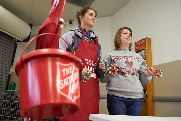 2017_UWL_Salvation_Army_Bell_Ringers_0078