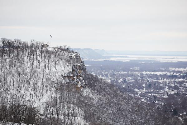 2020 UWL Winter Snow Bluffs 1