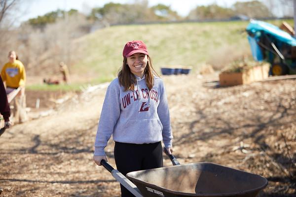 2018 UWL Neighbor Day Student Volunteers 0054