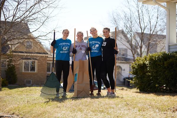 2018 UWL Neighbor Day Student Volunteers 0046