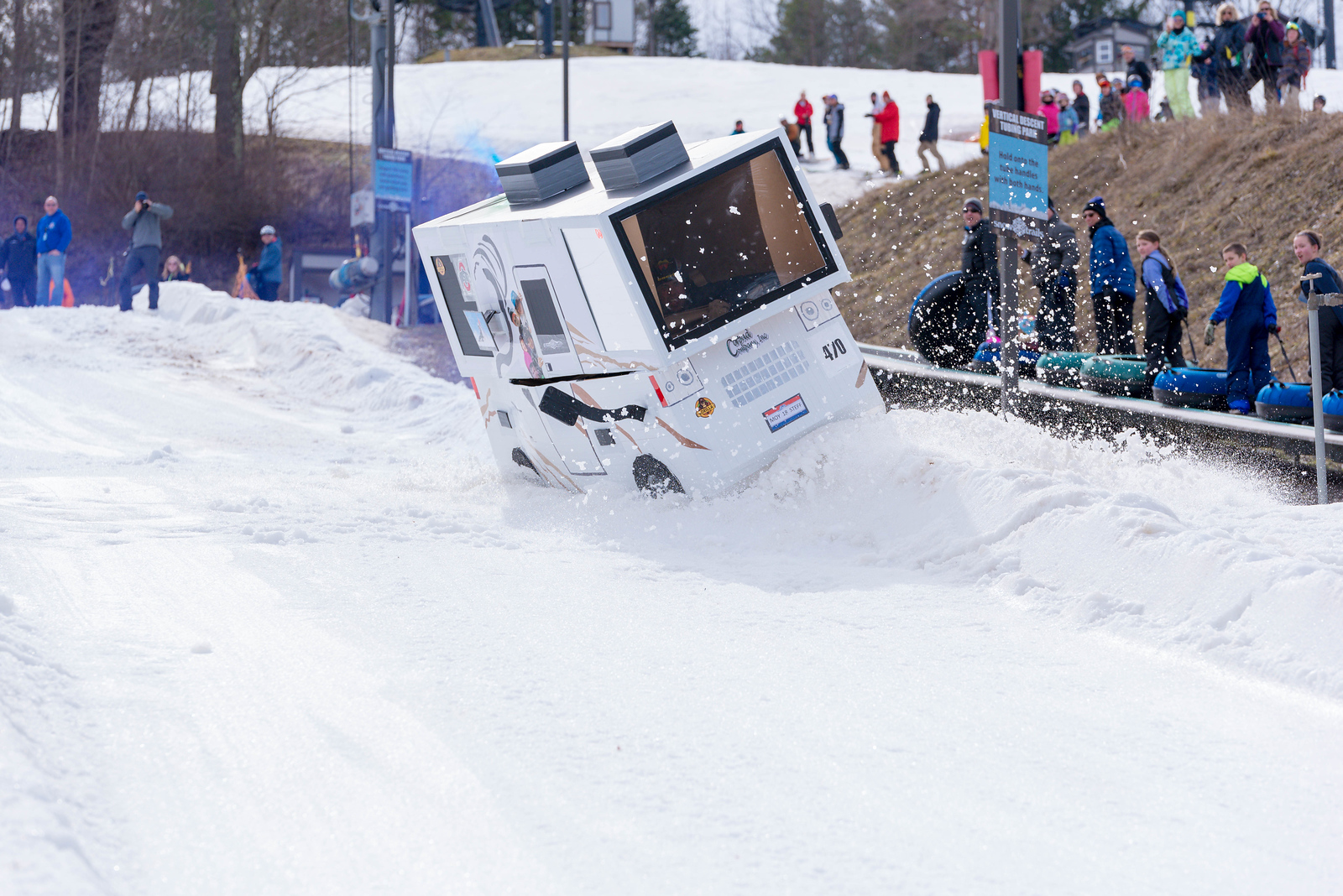Carnival-Sunday-57th-2018_Snow-Trails-7639