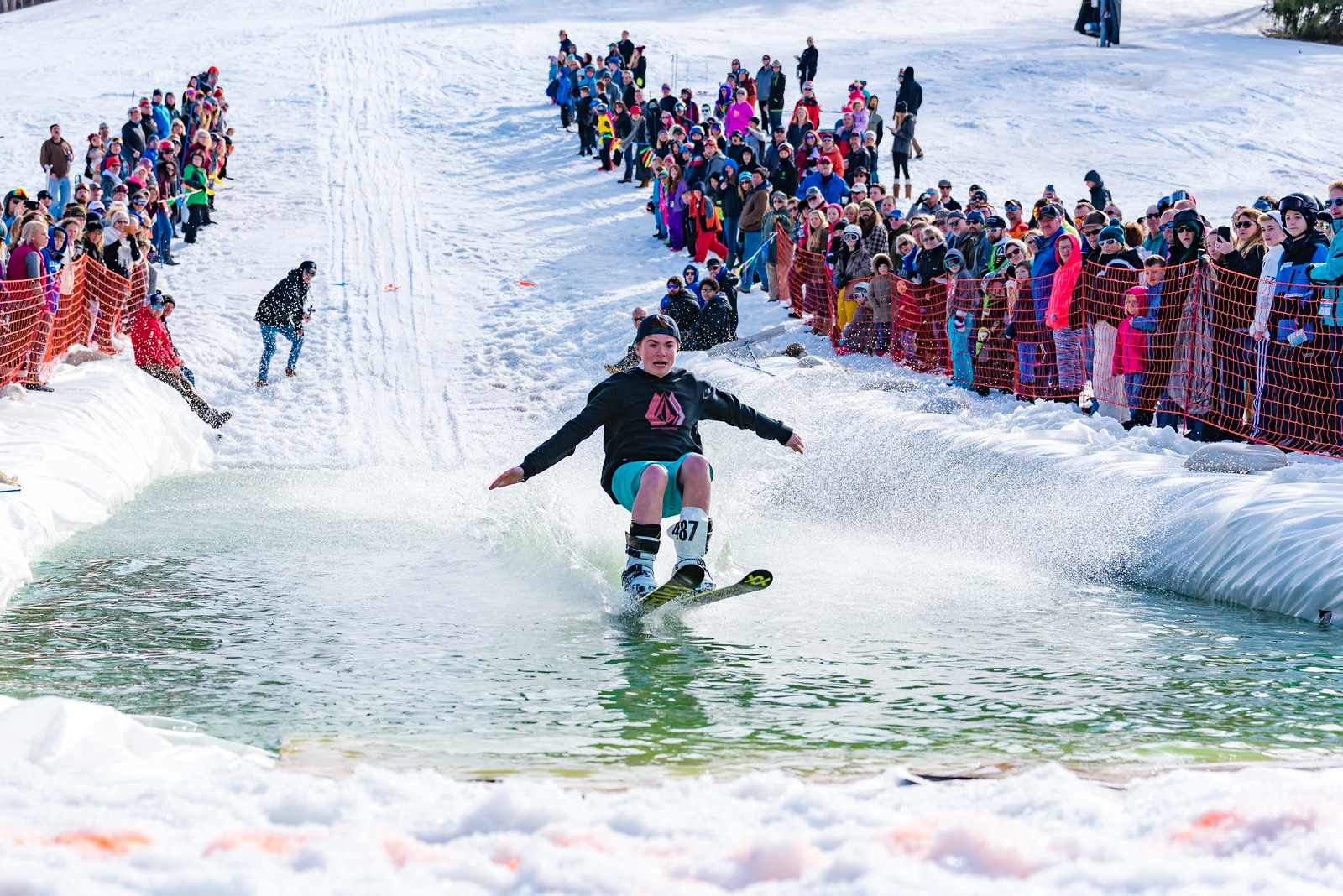 Carnival-Sunday-57th-2018_Snow-Trails-8016
