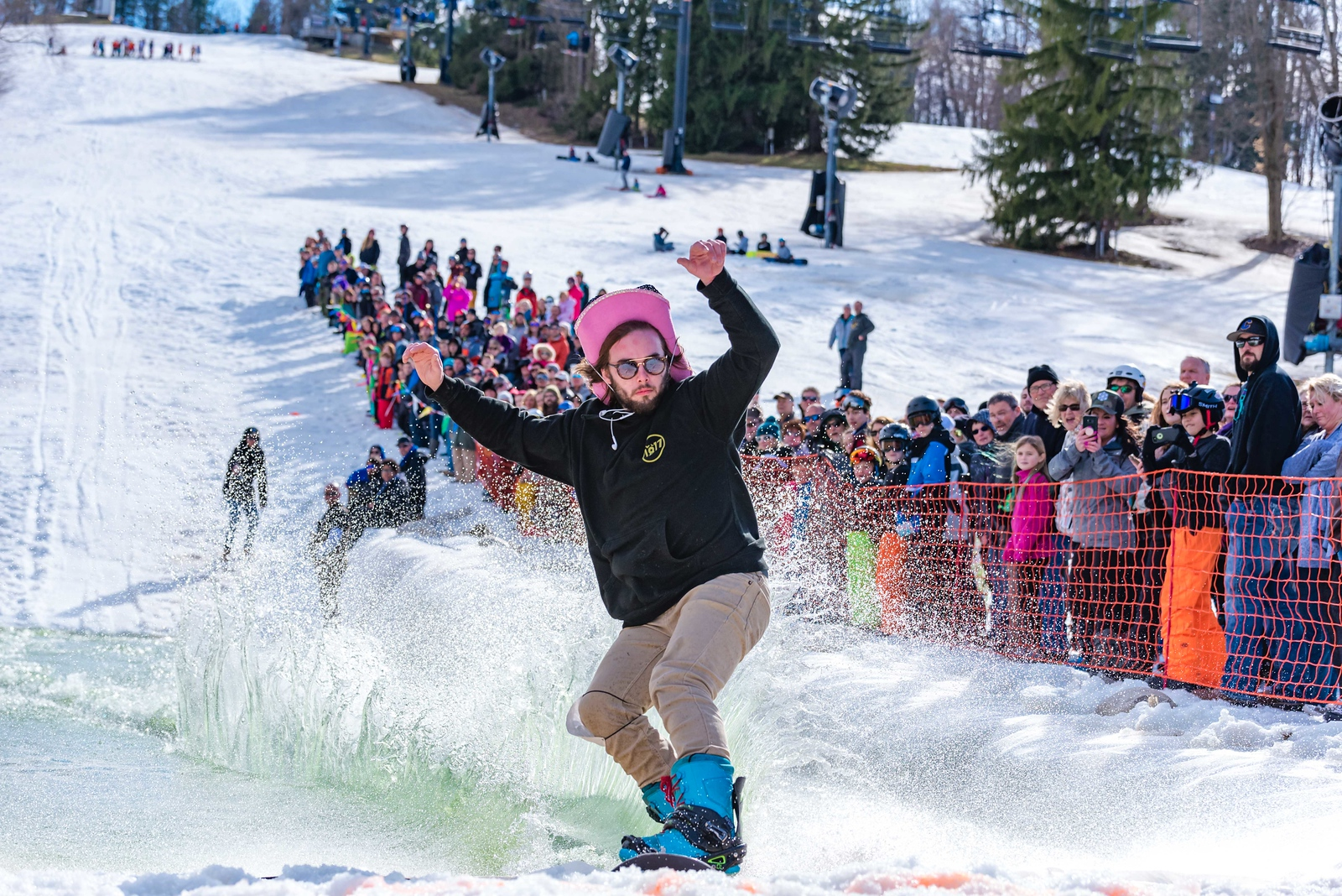 Carnival-Sunday-57th-2018_Snow-Trails-7811