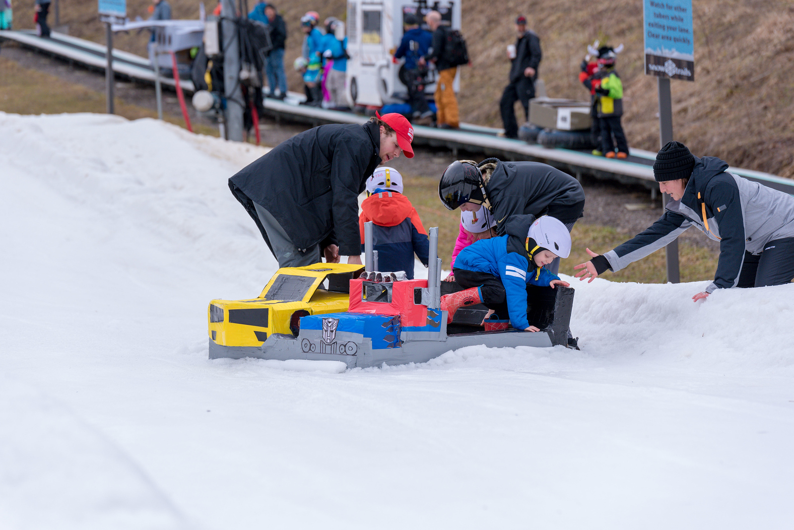 Carnival-Sunday-57th-2018_Snow-Trails-7400