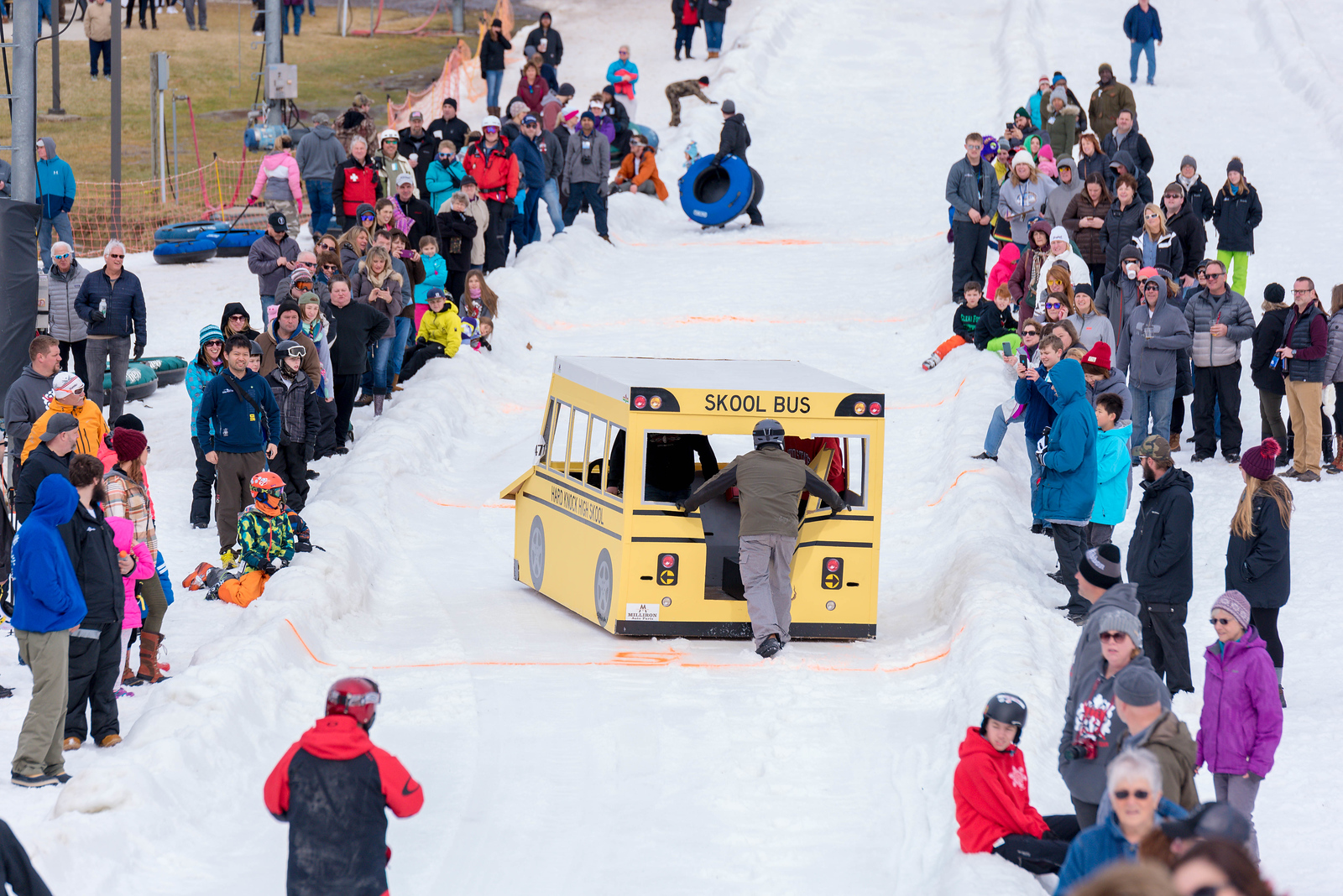 Carnival-Sunday-57th-2018_Snow-Trails-7470