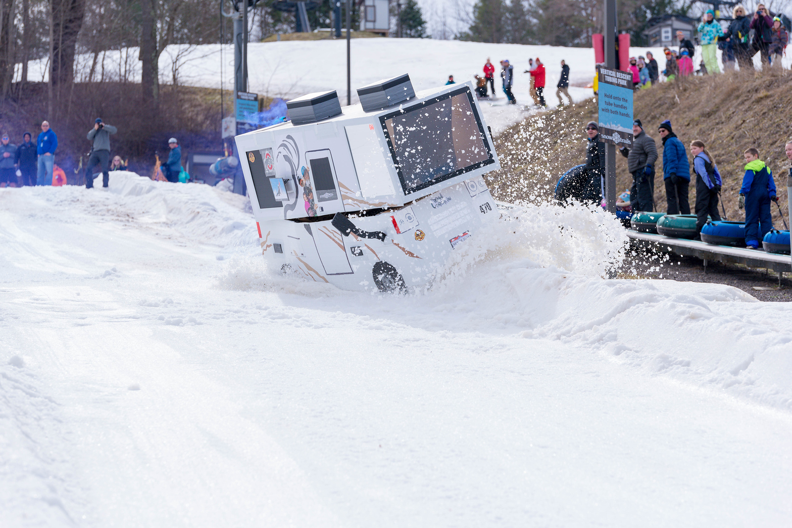 Carnival-Sunday-57th-2018_Snow-Trails-7637