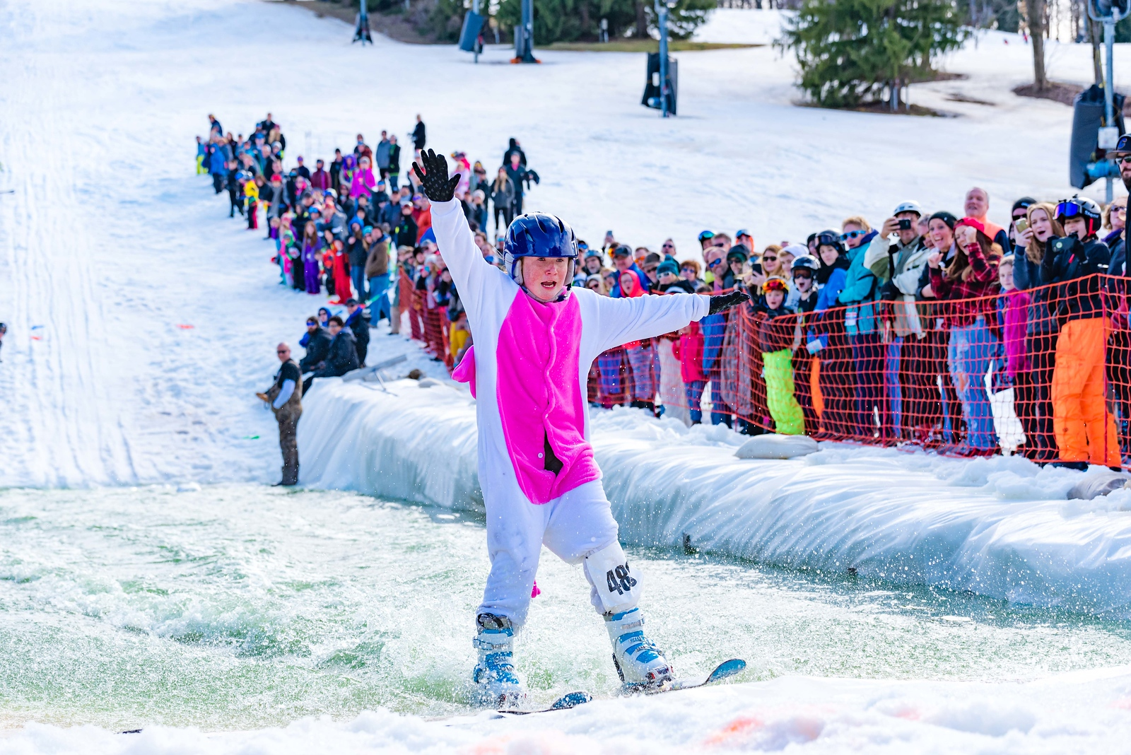 Carnival-Sunday-57th-2018_Snow-Trails-8003