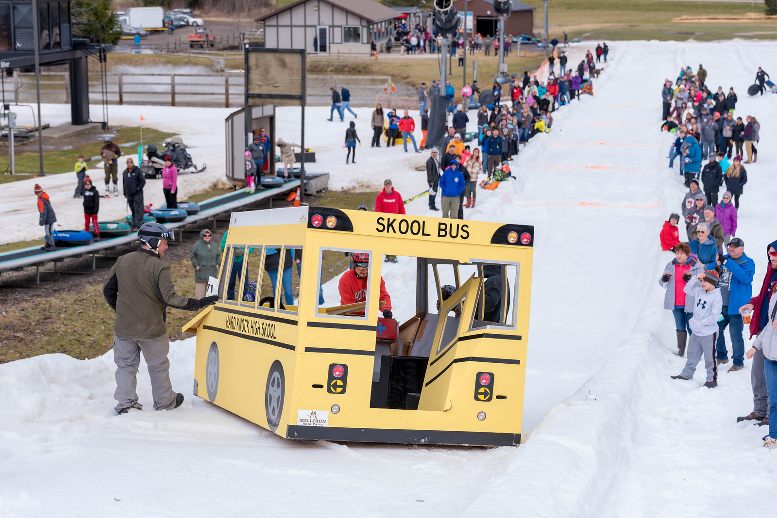 Carnival-Sunday-57th-2018_Snow-Trails-7466