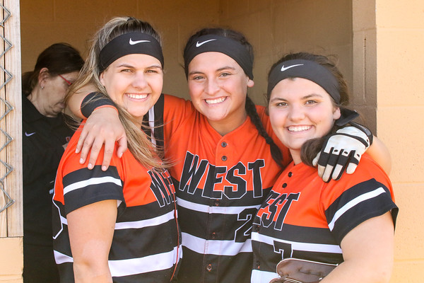 2018_4_13_West_vs_Wheelersburg_Softball-2