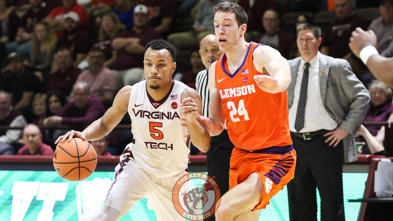 Justin Robinson dribbles the ball through the Clemson defense in the first half. (Mark Umansky/TheKeyPlay.com)