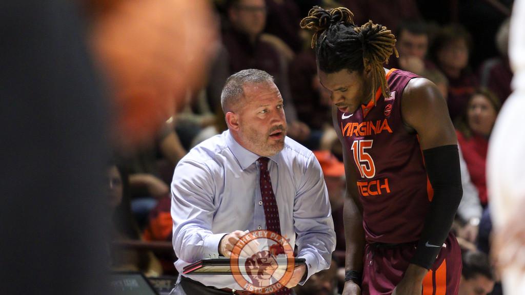 Head coach Buzz Williams speaks with Chris Clarke during a break in play. (Mark Umansky/TheKeyPlay.com)