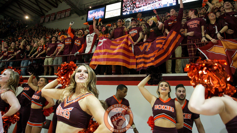Students, cheerleaders, and High Techs jump to Enter Sandman before the opening tip. (Mark Umansky/TheKeyPlay.com)
