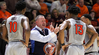 Head coach Buzz Williams gives his players a lesson in the final moments of the game. (Mark Umansky/TheKeyPlay.com)