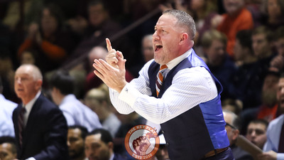 Hokies head coach Buzz Williams signals to his team in the first half. (Mark Umansky/TheKeyPlay.com)