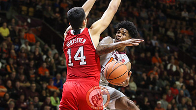 Ahmed Hill is fouled on a layup attempt in the second half. (Mark Umansky/TheKeyPlay.com)