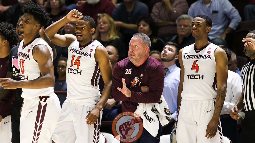 Head coach Buzz Williams stands with his players as they react to a Virginia Tech basket. (Mark Umansky/TheKeyPlay.com)