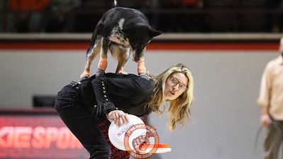 "The ""Mutts Gone Nuts"" act performs for the crowd for the halftime show. (Mark Umansky/TheKeyPlay.com)"