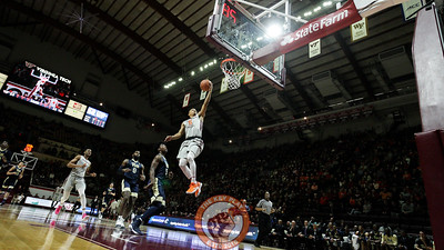 Justin Robinson breaks free for an uncontested layup in the first half. (Mark Umansky/TheKeyPlay.com)