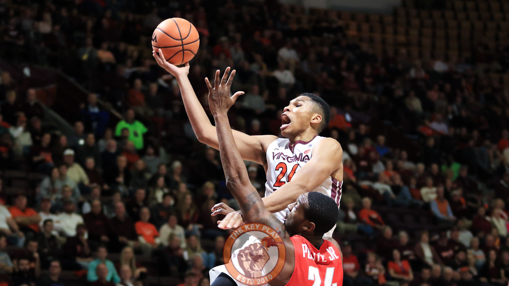 Kerry Blackshear Jr. rises up on a layup attempt in the second half. (Mark Umansky/TheKeyPlay.com)