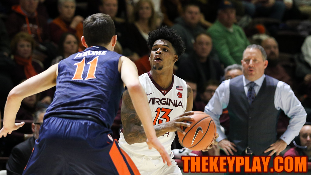 Ahmed Hill picks up his dribble and looks for an open pass or shot in the second half. (Mark Umansky/TheKeyPlay.com)