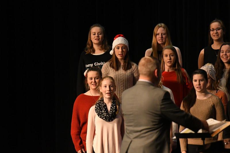 12-11-17_Choir-025-LJ