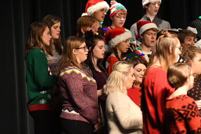 12-11-17_Choir-057-LJ
