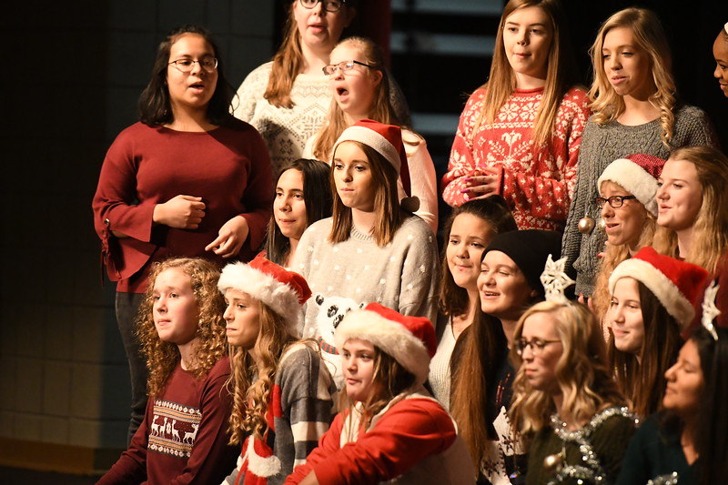 12-11-17_Choir-018-LJ