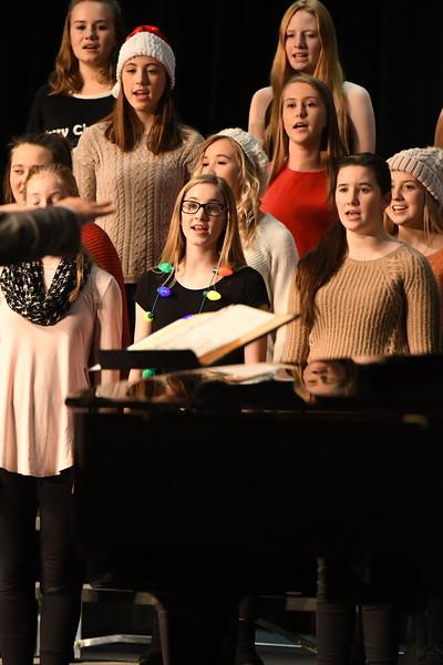 12-11-17_Choir-028-LJ