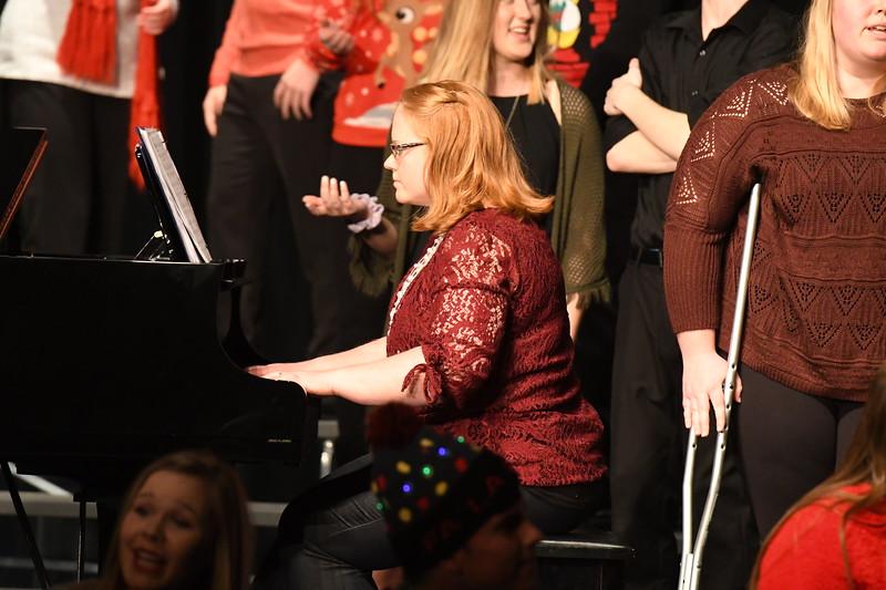12-11-17_Choir-072-LJ