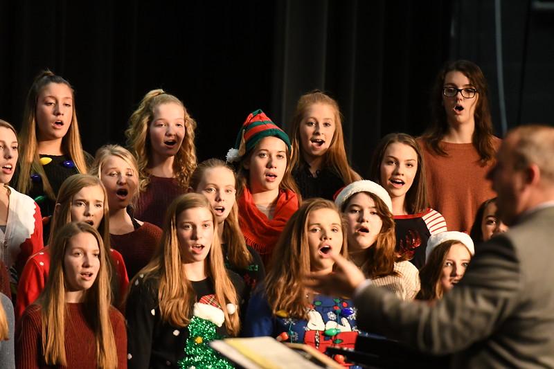 12-11-17_Choir-037-LJ