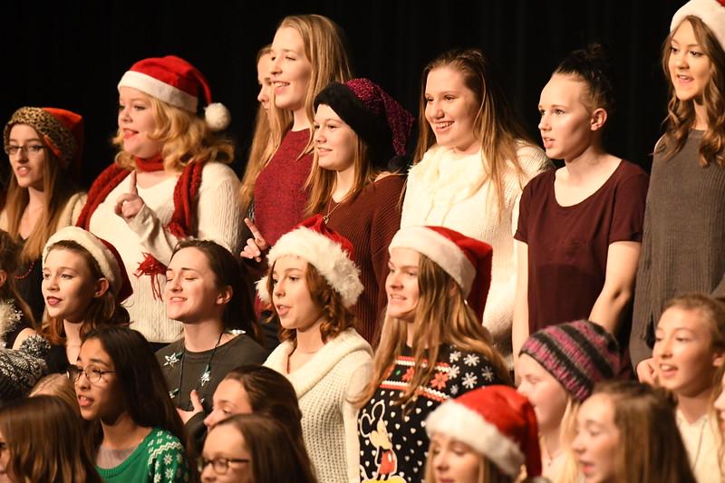 12-11-17_Choir-014-LJ
