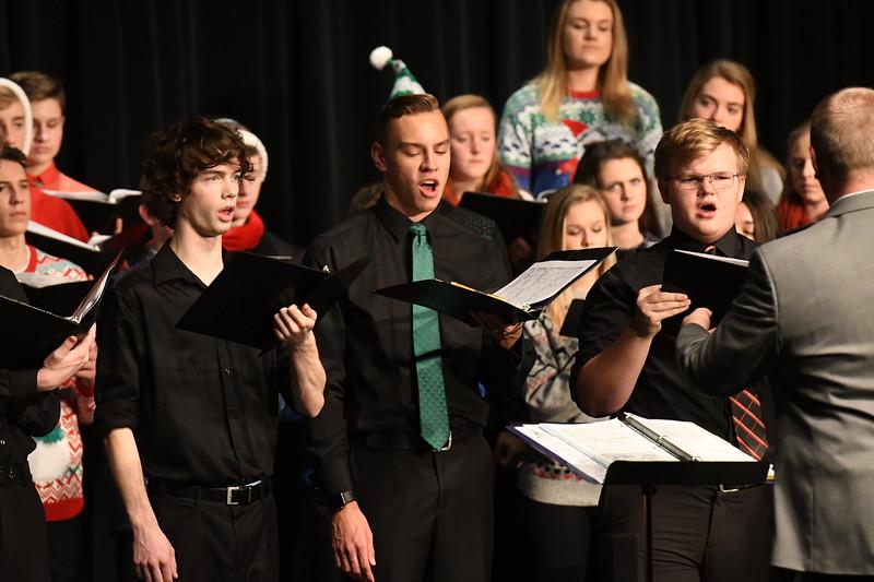 12-11-17_Choir-054-LJ