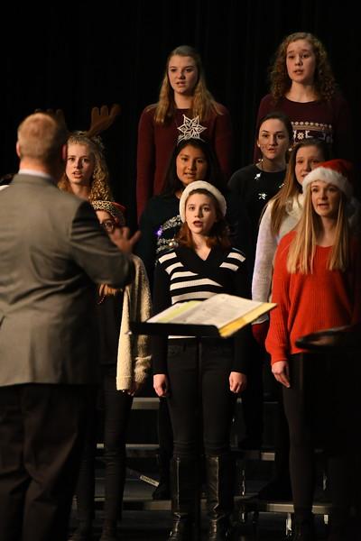 12-11-17_Choir-012-LJ