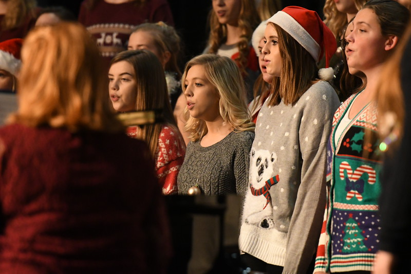 12-11-17_Choir-008-LJ