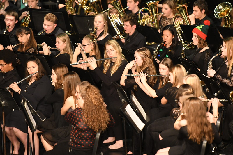 12-11-17_Band-077-LJ