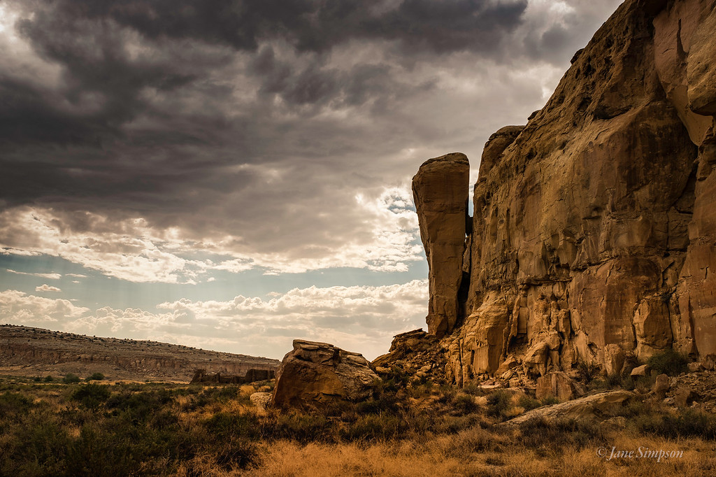 Chaco Canyon - A treacherous Rock