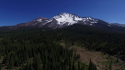 1-Over the hikers toward Mount Shasta