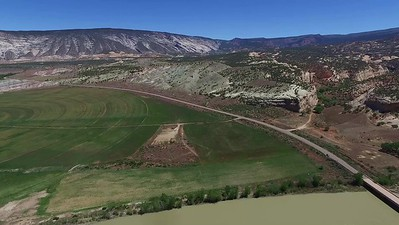 D1-Drone above Green River near Split Mountain