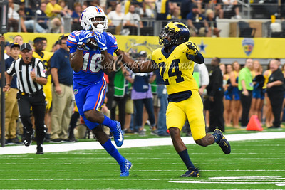 ARLINGTON, TX - SEPTEMBER 2:  Advocare Classic College Football game between University of Michigan and University of Florida at AT&T Stadium on September 2, 2017 in Arlington, TX.  (Photo by Aaron J. Thornton / Digital Depictions)