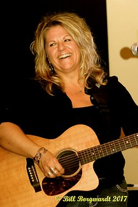 Shelly Dubois - Nash Ramblers at New West 011
