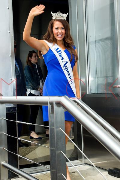 775040441SM001_Miss_America