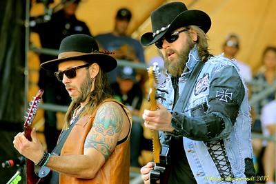 Clayton & Jason - Road Hammers - Country Thunder 2017 420