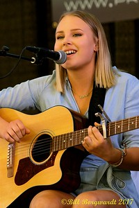 Hannah Gazso - Songwriters - BVJ 2017 0142