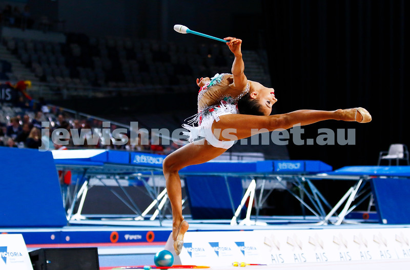 3-6-17. 2017 Australian Gymnastics Championships. Hisense Arena. Junior International Rythmic Gymnastics, Alexandra Kiroi, clubs. Photo: Peter Haskin