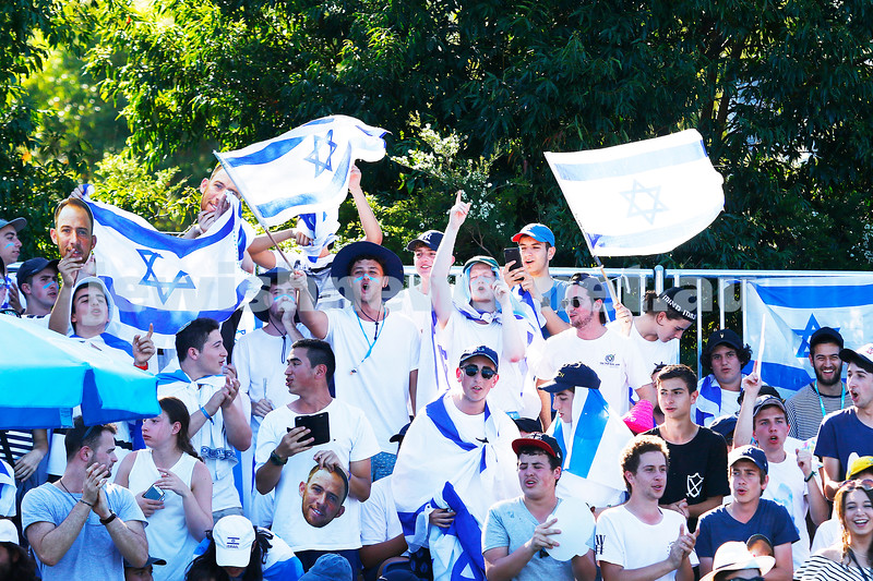 16-1-17. Dudi Sela fans during his first round match at the 2017 Australian Open. Photo: Peter Haskin