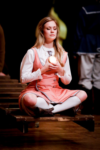 Lauren Ballard as Molly Aster in PETER AND THE STARCATCHER. Photo by Lindsey Walters.