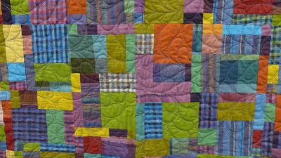 """Raffle Quilt - """"Hold the Lemon Pepper"""".  pieced and quilted by John Putnam.  Size 70 x 70"""