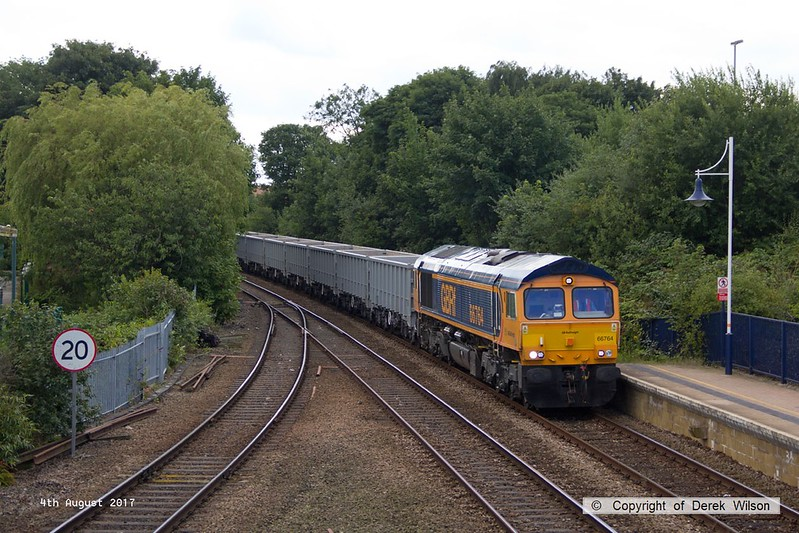 170804-022  GB Railfreight class 66/7 No 66764 is seen passing through Mansfield Woodhouse, powering train 6E89, 10:20 Wellingborough - Rylstone.