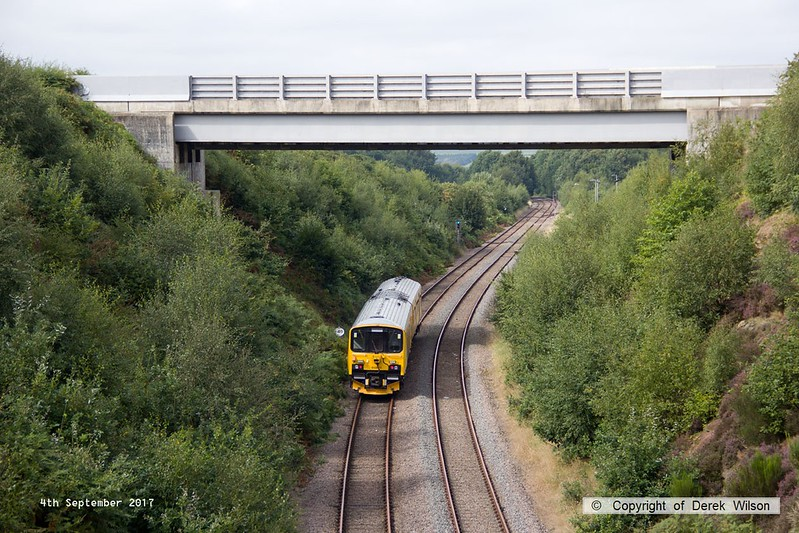 170904-007  Network Rail class 950 ultrasonic test unit No 950001 is captured nearing Welbeck Junction as it returns from High Marnham with 2Q08, 10:32 Derby RTC - Derby RTC.
